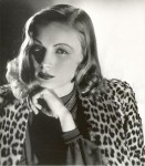 Veronica Lake looking drop dead in leopard print