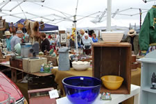 AlamedaPointAntiquesFaire M-001