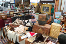 AlamedaPointAntiquesFaire M-060