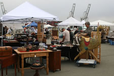 AlamedaPointAntiquesFaire S-034