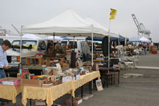 AlamedaPointAntiquesFaire S-040