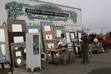 AlamedaPointAntiquesFaire S-068