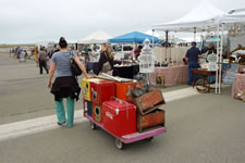 AlamedaPointAntiquesFaire W-014